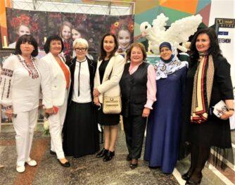 Лідерки громадських рухів, єднайтеся: Спілка жінок України ініціює створення Міжнародного парламенту матерів